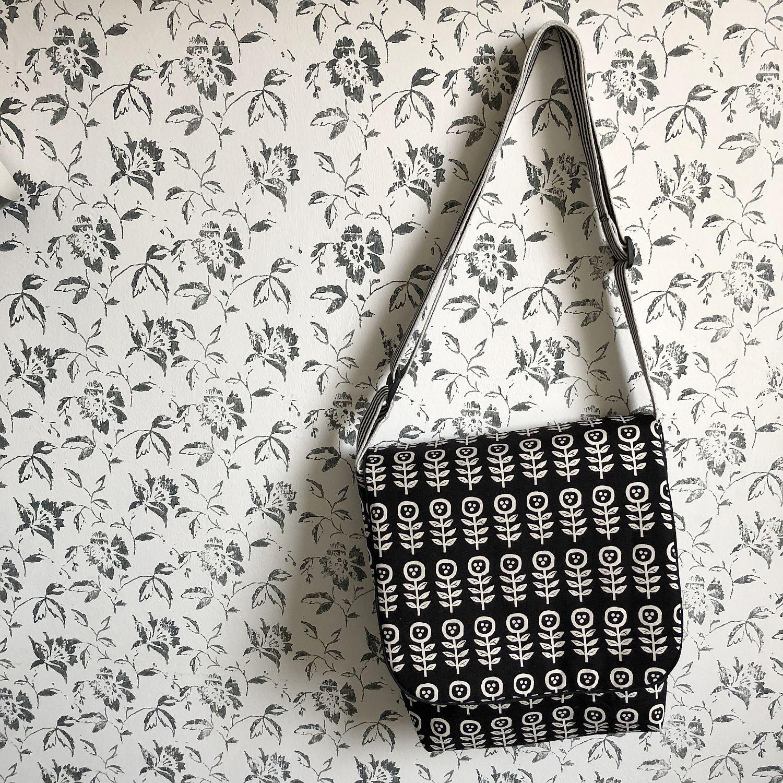 Handtasche schwarz-weiß